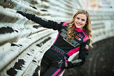 McKenna Haase made history in the 305 class as she became the first female sprint car driver winner in a sprint car at the historic Knoxville Raceway. Car Senior Pictures, Senior Year, Senior Photos, Senior Session, Senior Portraits, Female Race Car Driver, Car And Driver, Sprint Cars, Race Cars