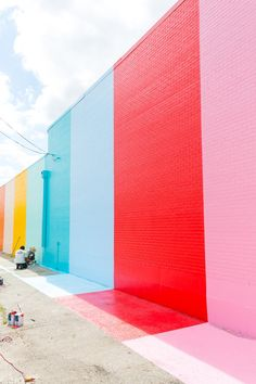 Must visit this beautiful, colorful wall!