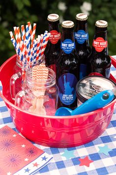 Put together your own DIY Root Beer Float Kit for the 4th of July - Personalized Liberty Beer Bottle Labels from Evermine (www.evermine.com)
