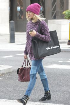 Fearne Cotton Photos Photos: Fearne Cotton Leaves the BBC Radio Studios 2019 Fearne Cotton Fearne Cotton Leaves the BBC Radio Studios The post Fearne Cotton Photos Photos: Fearne Cotton Leaves the BBC Radio Studios 2019 appeared first on Cotton Diy. Fearne Cotton, Coffee Date Outfits, Maternity Activewear, College Fashion, College Style, Gamine Style, Funky Fashion, Love Her Style, Cotton Style