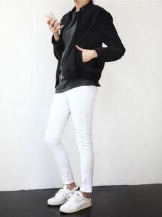 black bomber jacket | Modern Hepburn