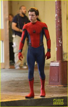 Your best online source for all the Tom Holland news, photos & videos. Tom Holland Fanfiction, Spider Man Homecoming 2017, Harrison Osterfield, Tom Holland Imagines, Baby Toms, Tom Holland Peter Parker, Men's Toms, Tommy Boy, Marvel Memes