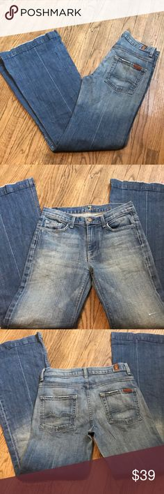 ⭐️PRICE DROP! 7 for all mankind Ginger Flare size Preowned, used 1 time only!! No rips, amazing condition, last 3 pictures are STOCK PICTURES! Bundle today and save or Make me an offer! 7 For All Mankind Jeans Flare & Wide Leg