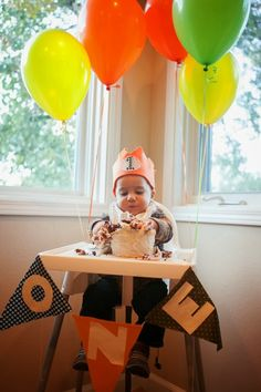 Fox-Themed First Birthday Party Love the birthday crown and the banner. Also like the orange theme