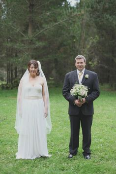 Gorgeous bride in   www.seralilly.com