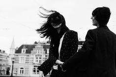 Fotografías del amor juvenil, ese que nos quema por dentro hasta la eternidad.