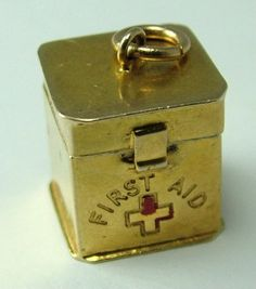 1950s 9ct Gold First Aid Box Charm Original Aspirin Inside