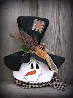 Primitive Snowman Head Table Sitter ~ Winter Table Decor ~ S Christmas Wood Crafts, Christmas Signs Wood, Christmas Snowman, Fall Crafts, Holiday Crafts, Winter Christmas, Christmas Ornaments, Christmas Porch, Christmas Stockings