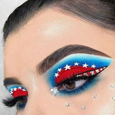 Via @moda2528   This is perfect for Fourth of July!!   For more 4th of July hair, nails and makeup inspo, visit www.LuvlyLongLocks.com   #MUA #beauty #makeup #eyeshadow Eyeshadow Base, Eyeshadow Looks, Makeup Eyeshadow, Eyeshadows, Linda Hallberg, Makeup Inspo, Makeup Tips, Beauty Makeup, Makeup Tutorials