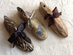 Hormas de zapato con decoupage Hobbies And Crafts, Diy And Crafts, Decoupage, Paper Shoes, Shoe Molding, Shoe Stretcher, Ideias Diy, Shoe Last, Shoe Tree