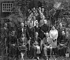 Sentados, ao centro, o arcebispo D. Duarte, Dona Almerinda e o Dr. Eloy Chaves. Antonieta, em pé, atrás do pai e Vail atrás da mãe.