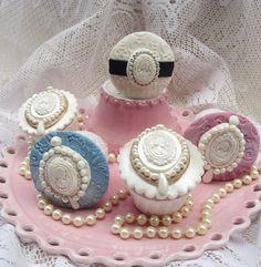 Cameo Cupcakes by Anita Jamal Fancy Cupcakes, Valentine Day Cupcakes, Fondant Cupcakes, Yummy Cupcakes, Cupcake Cakes, Cup Cakes, Cameo Cookies, Cameo Cake, Beautiful Cupcakes