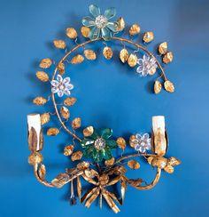 Pareja de apliques en forja dorada al pan de oro con flores de cristal. Vintage 50s-60s. de elNidosingular en Etsy