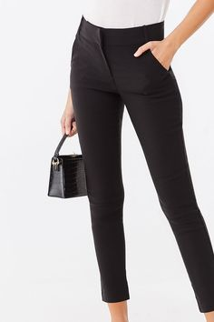 Forever 21 is the authority on fashion & the go-to retailer for the latest trends, styles & the hottest deals. Ankle Pants Outfit, Skinny Dress Pants, Black Dress Pants, Diy Clothes Hacks, Clothing Hacks, Clothing Ideas, Business Casual Outfits, Trendy Outfits, Cool Outfits