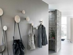 ▷ Ideas to find out what color for a hallway + how to decorate a hallway - corridor Black Brick Wall, Grey Hallway, Grey Tiles, Hallway Decorating, Corridor, Basement Remodeling, Getting Organized, Wardrobe Rack, Decoration