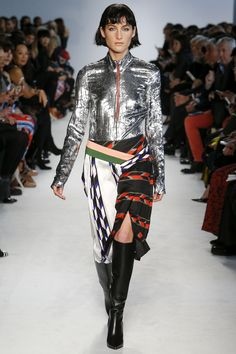 See the complete Emilio Pucci Fall 2016 Ready-to-Wear collection.