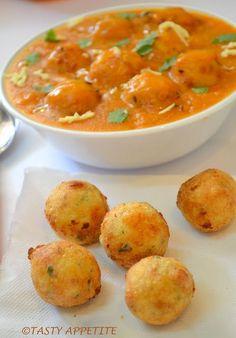 Malai Kofta / Easy Step wise i; Paneer Recipes, Veg Recipes, Indian Food Recipes, Asian Recipes, Vegetarian Recipes, Cooking Recipes, Kofta Recipe Vegetarian, Recipies, Veg Kofta Recipe