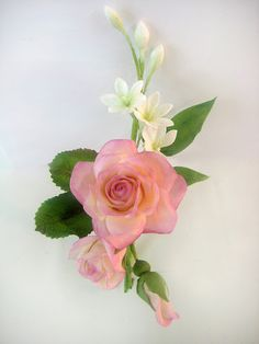 vintagey pretty or vintagely old? Prom Flowers, Flower Bouquet Wedding, Silk Flowers, Rose Corsage, Corsages, Sugar Paste Flowers, Flower Spray, Fondant Flowers, Polymer Clay Flowers