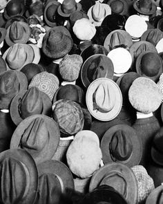 Hats at a World War I Liberty Rally in Columbus Circle, 1918 Columbus Circle, Cool Hats, Historical Costume, The Villain, Headgear, Hats For Men, Vintage Men, Vintage Style, Retro Vintage