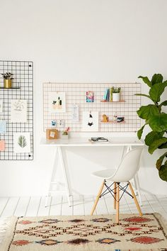 Office decor and organization solution - wall wire grid in place of an inspiration board