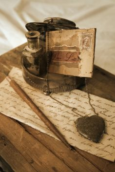 Okay ladies, tell me something, how would you feel if the man of your dreams spent the time to use a quill pen and ink to write you a love letter and then took you out on an amazing date??? Seriously!?! Yes please!!