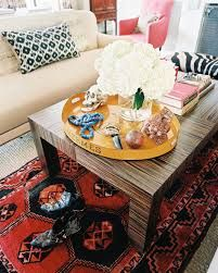 Living Room Eclectic Photo - Layered rugs beneath a rectangular coffee table topped with an Hermes tray Coffee Table Tray, Coffee Table Styling, Decorating Coffee Tables, Tray Styling, Styling Tips, Lohals, Little Green Notebook, Sweet Home, Design Blog