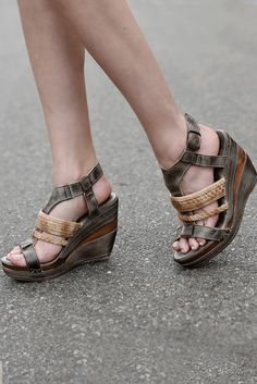 e24f1389ca6f JASLYN TAUPE SAND - Wedges   Heels - Women BED