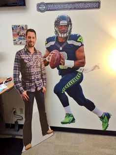 Russell Wilson hangs out with Rand at the Mozplex. :)