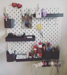 Løbelængde og garnforbrug - Frøken Mai Hello Kitty, Butterfly, Shelves, Home Decor, Elephants, Threading, Shelving, Decoration Home, Room Decor