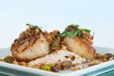 Gusto TV - Lemon Crumb Sea Scallops with Lemon White Bean Purée Pureed Food Recipes, Fish Recipes, Seafood Recipes, Cooking Recipes, Healthy Recipes, Recipies, What's Cooking, Canadian Dishes, Canadian Food