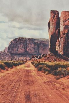 The road to nowhere is often a way to wanderlust /// #travel #adventure