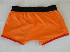 Buying men's swim trunks - The New Graphics Popular Outfits, Swim Trunks, Body Shapes, Casual Shorts, Gym Shorts Womens, Suits, People, Swimwear, Fabric