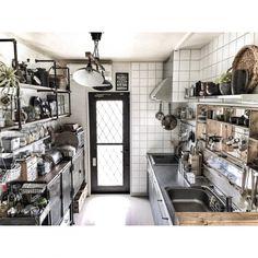 yupinokoさんの、Kitchen,IKEA,DIY,キッチン,ニトリ,インダストリアル,見せる収納,男前,セルフリノベーション,キッチン模様替え,吊り戸棚撤去,アメブロやってます♡,ガス管ウォールラック,リメイクシンク,インスタやってます♡,輸入粘着シートについての部屋写真
