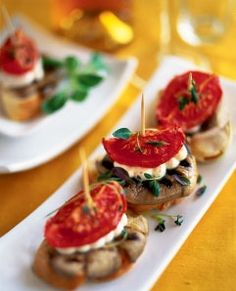 Pintxos with grilled oyster mushrooms, tomato and chèvre cream