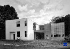 : 106. Giuseppe Terragni /// Casa sul lago per un...