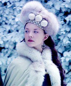 The Tudors -Costumes ♔: Anne Boleyn´s fur cloak and matching hat. Costumes by Joan Bergin. ♛ ♛~✿Ophelia Ryan ✿~♛
