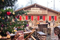 Photos and food guide to the Zurich Christmas Markets at Bellevue in Switzerland.