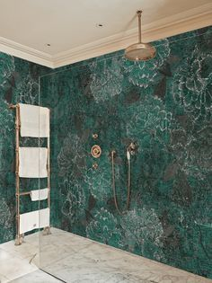 Alternatives to Tiling Your Bathrooms - Waterproof Wallcoverings, Bathroom inspiration from decorative waterproof wallpaper, to wall/shower panels. Wallpaper Wall, Bathroom Wallpaper, Bad Inspiration, Bathroom Inspiration, Bathroom Trends, Bathroom Interior, Kitchen Interior, Interiores Art Deco, Tadelakt