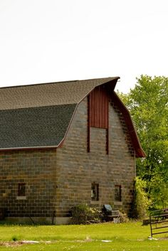 Brick Barn  Love this barn!