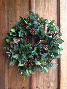 Christmas Wreaths To Make, Christmas Flowers, Handmade Christmas Decorations, Christmas Makes, Noel Christmas, Holiday Wreaths, All Things Christmas, Christmas Wonderland, Christmas Inspiration