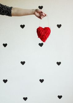 Hank and Hunt - HOW TO MAKE EASY FRINGE HEARTS #diy #Valentine'sDay