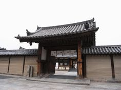 """""""old japanese gate""""的图片搜索结果 Japanese Gate, Carpentry, Pergola, Outdoor Structures, House Styles, Outdoor Decor, Google Search, Woodworking"""