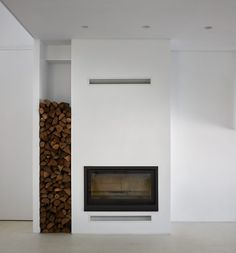 Carmen House is a minimalist residence located in Alicante, Spain, designed by Carles Faus Arquitectura Ibiza Style Interior, Interior Styling, Interior Design, Alicante, Journal Du Design, Modern Fireplace, Inspired Homes, Detached House, Architecture