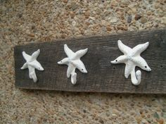 3 Starfish hooks in 26 different colors UNMOUNTED by riricreations. $31.50 USD, via Etsy.
