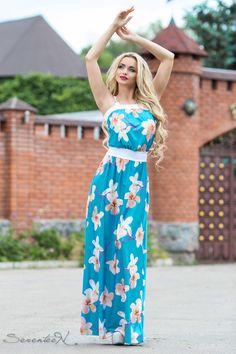 Женское голубое летнее платье макси с цветами