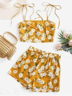 Daisy Floral Tie Shoulder Cami Top and Shorts Set Crop Top Outfits, Cute Casual Outfits, Cute Summer Outfits, Pretty Outfits, Stylish Outfits, Two Piece Outfits Shorts, Girls Fashion Clothes, Teen Fashion Outfits, Cute Fashion