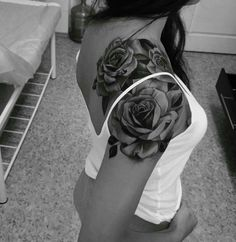 Beautiful Rose Tattoo Ideas (With images) Roses On Shoulder, Sunflower Tattoo Shoulder, Back Of Shoulder Tattoo, Back Tattoo, Tattoos For Women On Thigh, Tattoos For Women Flowers, Shoulder Tattoos For Women, Flower Tattoos, Cover Up Tattoos