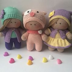 Amigurumi, Crochet hats ve diğer fikirler burada This Pin was discovered by Вла Amigurumi Patterns, Amigurumi Doll, Doll Patterns, Crochet Patterns, Crochet Teddy, Cute Crochet, Crochet Baby, Knitted Dolls, Crochet Dolls