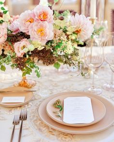 "Martha Stewart Weddings on Instagram: ""Gilded linens and curated dishware brought a glam vibe to Lauren-Leigh and Kyle's tabletop design. However, organic compote arrangements…"" Blush Wedding Theme, Table Top Design, Martha Stewart Weddings, Organic, Table Decorations, Tabletop, Linens, Wedding Ideas, Instagram"