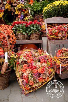 Fall Flowers, Love Flowers, Dried Flowers, Casket Flowers, Funeral Flowers, Twig Wreath, Heart Wreath, Fall Harvest, Halloween